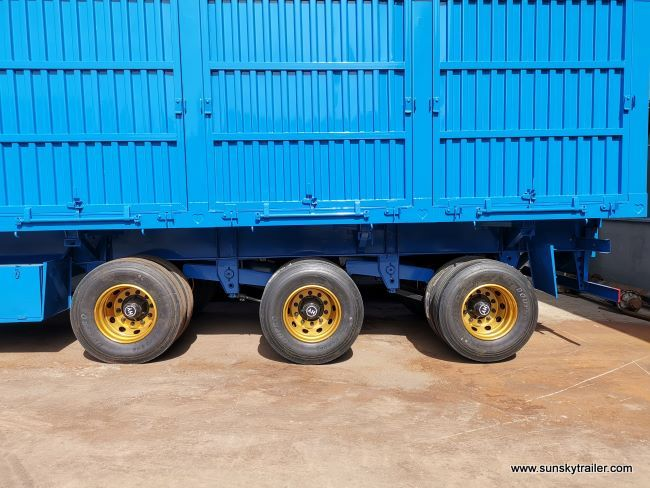 Tri Axle Closed Box Trailer For Grain transport