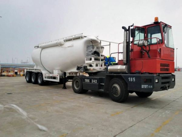 bulk cement trailer loady by roro ship